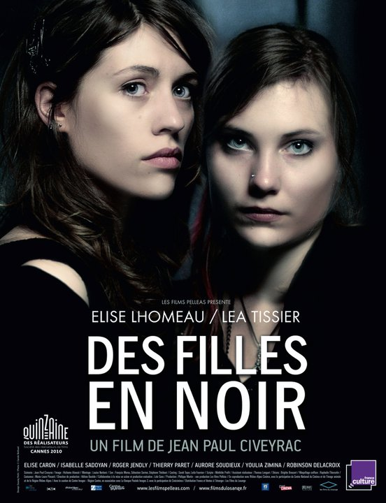 DES FILLES EN NOIR